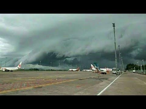 Viral Video Awan Berbentuk Gelombang Tsunami di Makassar, 5 Pesawat Berputar-putar hingga 20 Menit