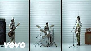 3rdアルバム「equal」(2004年9月15日発売)の先行シングル曲。生命をテーマ...