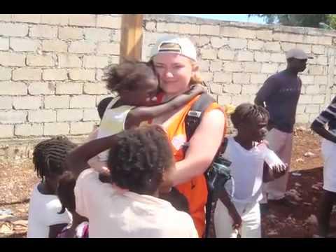 Students Volunteer in Haiti - Wesleyan University