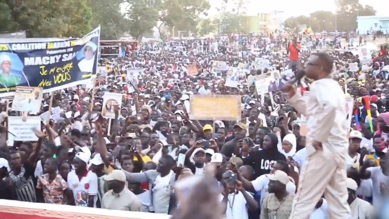 Prestation Youssou Ndour au meeting du BBY à Thies