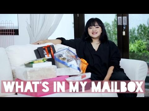 WHAT'S IN MY MAILBOX | LIZZIE PARRA
