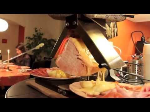 raclette traditionnelle youtube. Black Bedroom Furniture Sets. Home Design Ideas