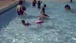 Download Video Hassan & Safiya A La Piscine MP3 3GP MP4
