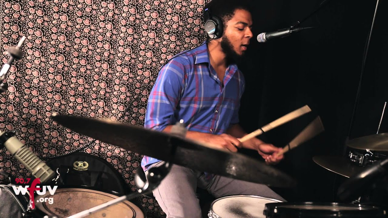 """Bhi Bhiman - """"Moving To Brussels"""" (Live at WFUV) - YouTube"""