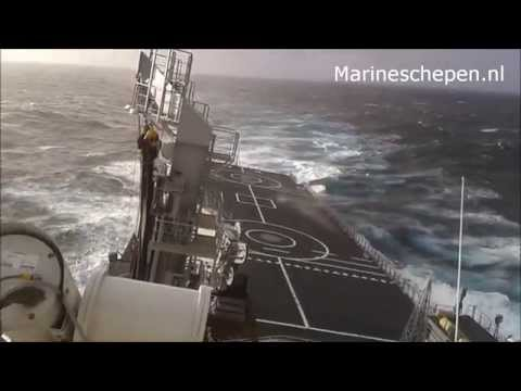 Zr.Ms. Karel Doorman in een storm