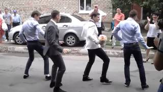 Download Крутые и смешные танцы | Нарезка | Funny dancing Mp3 and Videos