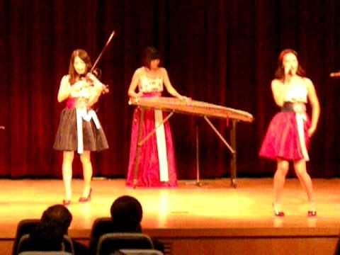 Dancing queen by beautiful korean girls