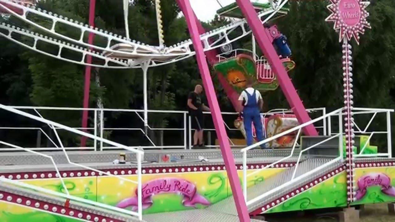 Luna park rides ferris wheel set up mp3speedy net for Puerta 9 luna park