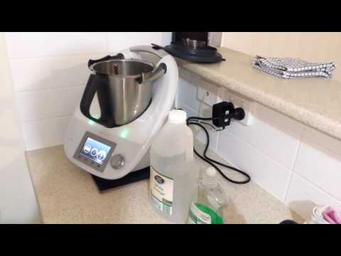 Cleaning your Thermomix.
