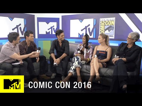 The Cast of Scream Queens Discusses the Intimacy on Set | Comic Con 2016 | MTV
