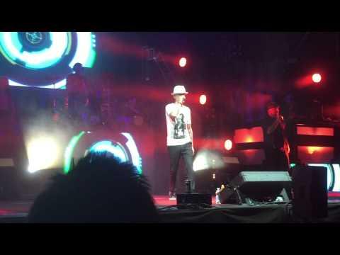 J-Ax - Sopra La Media (live 15/07/2015 Varallo)