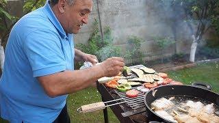 Морепродукты,завёрнутые в лук порей,с овощами на мангале.Рецепт от Жоржа