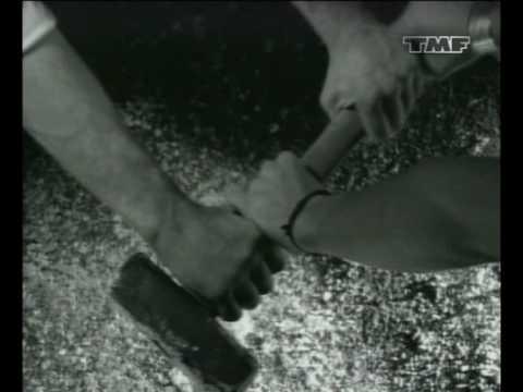 Noize Mc -Жечь Электричество (Видео Инсталляция)