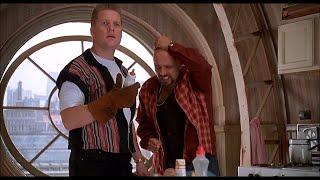 Лайфхак с детской бутылочкой — «Младенец на прогулке, или Ползком от гангстеров» (1994) сцена 1/10