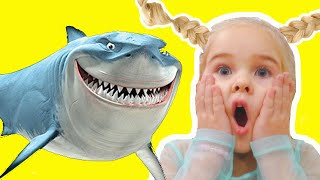 Baby Shark | Kids Songs and Nursery Rhymes Emily Pretend Play