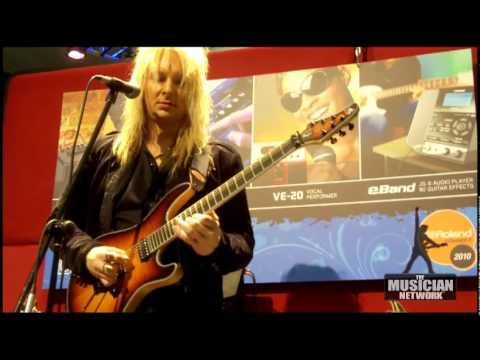 W NAMM 2010 - ROLAND BOSS ME25 & E-BAND DEMO - ROBERT MARCELLO