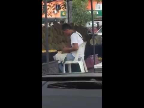 Isu ludah durian sampai peniaga terpaksa tutup kedai sebenarnya dia tiup je