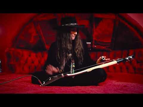 RED BED REDEMPTION!  |  3-String Shovel Guitar