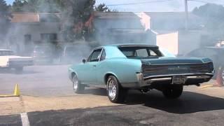 66 Pontiac GTO Burnout