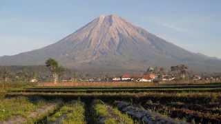 Download Lagu Gunung Semeru - Objek Wisata di Malang, Jawa Timur mp3