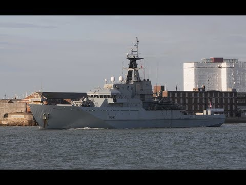 HMS TYNE P281 LEAVES PORTSMOUTH NAVAL BASE AT CLARENCE PIER, PORTSMOUTH - 10th December 2018