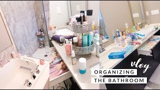 ORGANIZING OUR MASTER BATHROOM! SLMissGlamVlogs💕