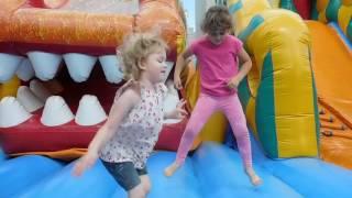 БАТУТ, ЛАБИРИНТ и Мороженое ХРЕН ДРЮЛЕН Развлечения для детей Funny Entertainment for Kids