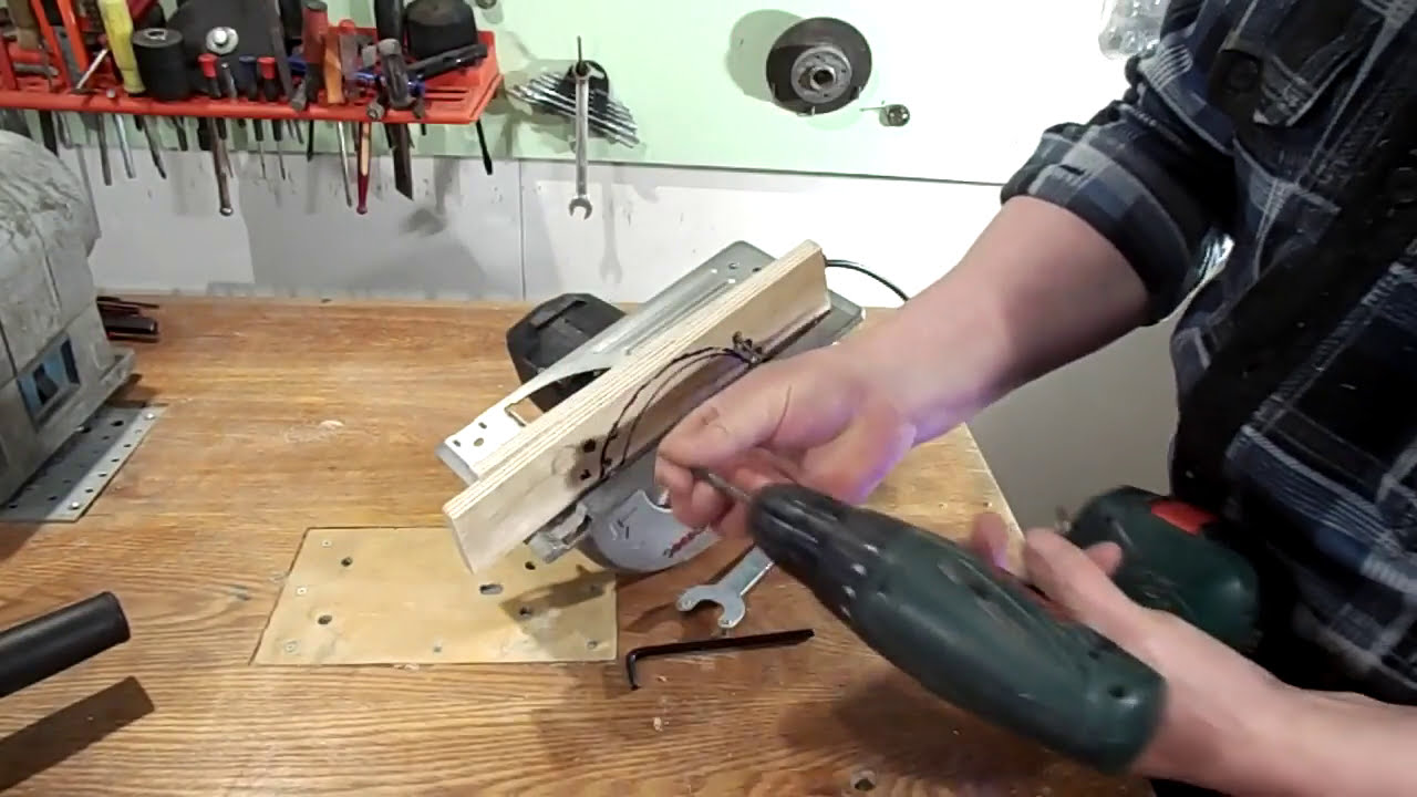 How To Remove Stuck Nut Of An Angle Grinder   Very Simple  Victor Maker  02:34 HD