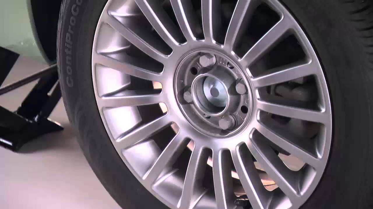 2016 fiat 500 500c jacking and tire changing [ 1280 x 720 Pixel ]