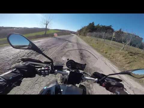BMW R1200R LC - Jesi verso Montecarotto e ritorno - ENGINE SOUND - NO WIND