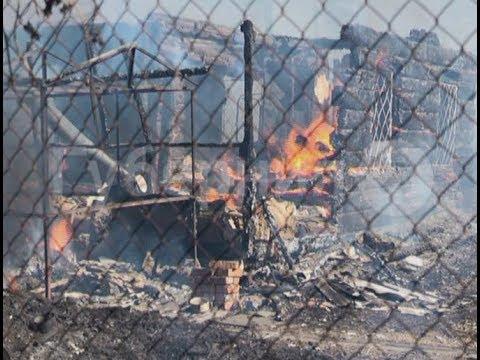Хабаровская семья осталась без крыши над головой из-за пожара на соседском участке.