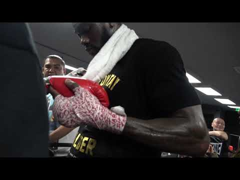 class act! deontay wilder does not turn down one fan!!! EsNews Boxing