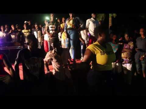 watch how maame serwaa dance with yaw dabo, papa kumasi, chiki cherrkerr, fumeya
