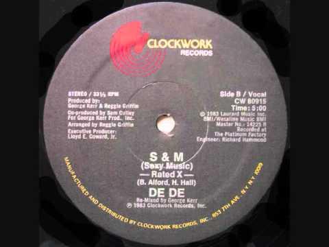 DE DE - S & M (Sexy Music)