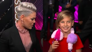 Singer Pink & her cute Family at Awards 2019 video thumbnail