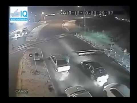 Клопс-навигатор: как проехать через переезд на ул. Нарвской, чтобы машина не попала под шлагбаум