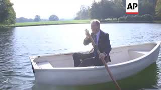 UK foreign secretary takes Czech minister for boat ride