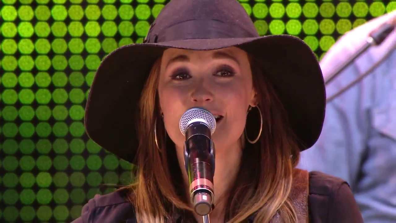 Kacey Musgraves: Follow Your Arrow (Live At Farm Aid 2013