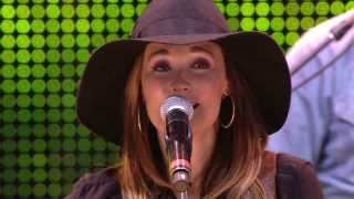 Kacey Musgraves - Follow Your Arrow (Live at Farm Aid 2013)