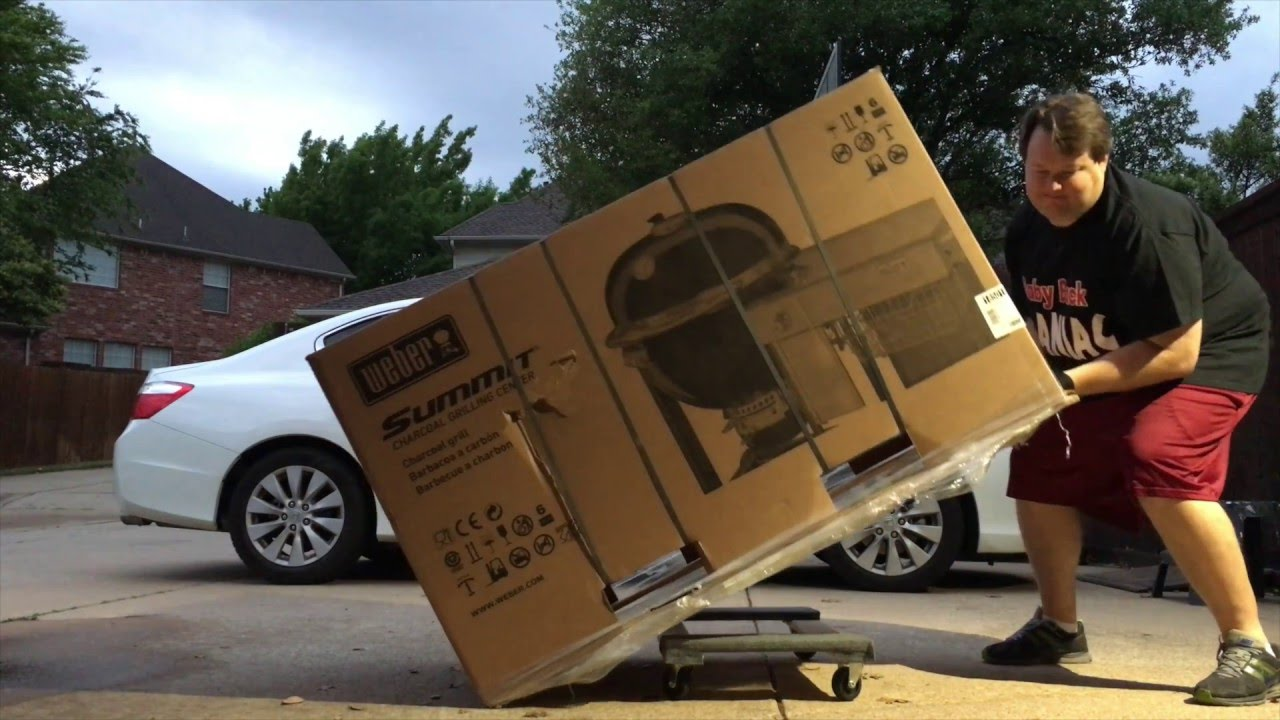 Weber Summit Charcoal Holzkohlegrill : Weber summit charcoal grill unboxing shots