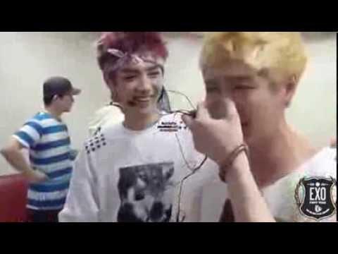 "Lay & Kai crying at exo first win + ""mazel tov"" - YouTube"