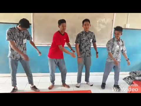 I cant pilot dance with my friends in the classroom