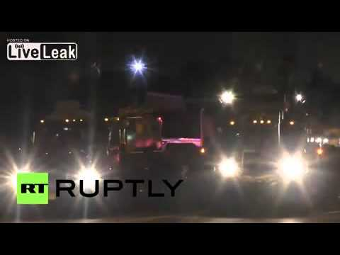 [TOP]USA: Police deploy smoke bombs against protesters in Ferguson 2015