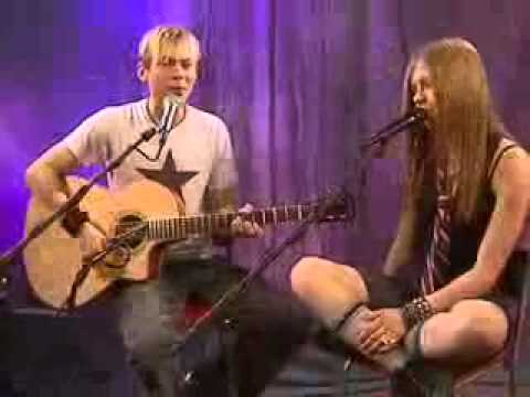 Avril Lavigne Nobodys Fool (acoustic)