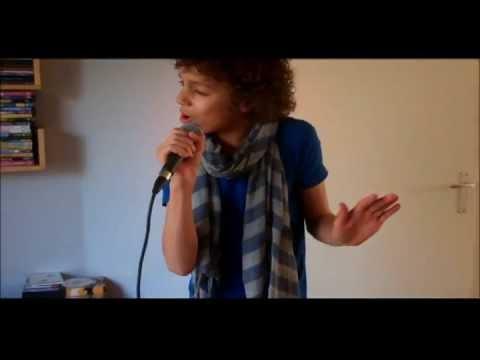 Joel(12) zingt Bruno Mars