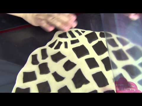 Easy Giraffe Print Using The Mini Mat by www SweetWise com