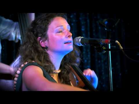 Beth Porter & The Availables - Floorboards