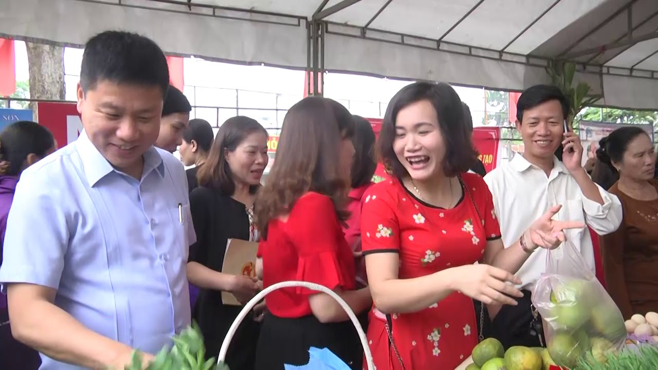 Phu nu Thai Hoa phat dong ngay khoi nghiep va hanh dong voi thuc pham an toan