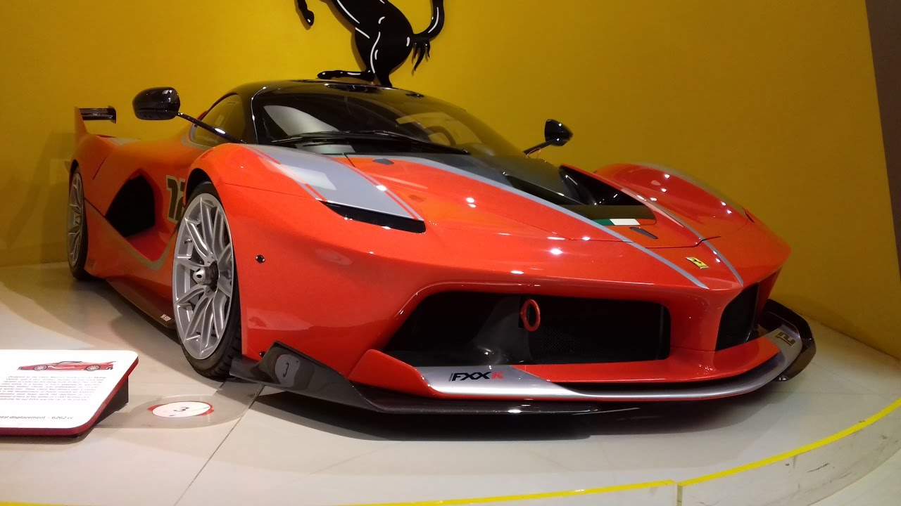 ferrari fxx k mus e ferrari maranello 2017 visite youtube. Black Bedroom Furniture Sets. Home Design Ideas