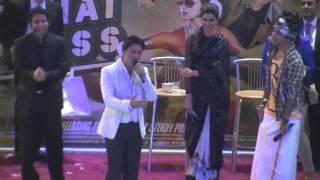 Shah Rukh Khan storms Dubai